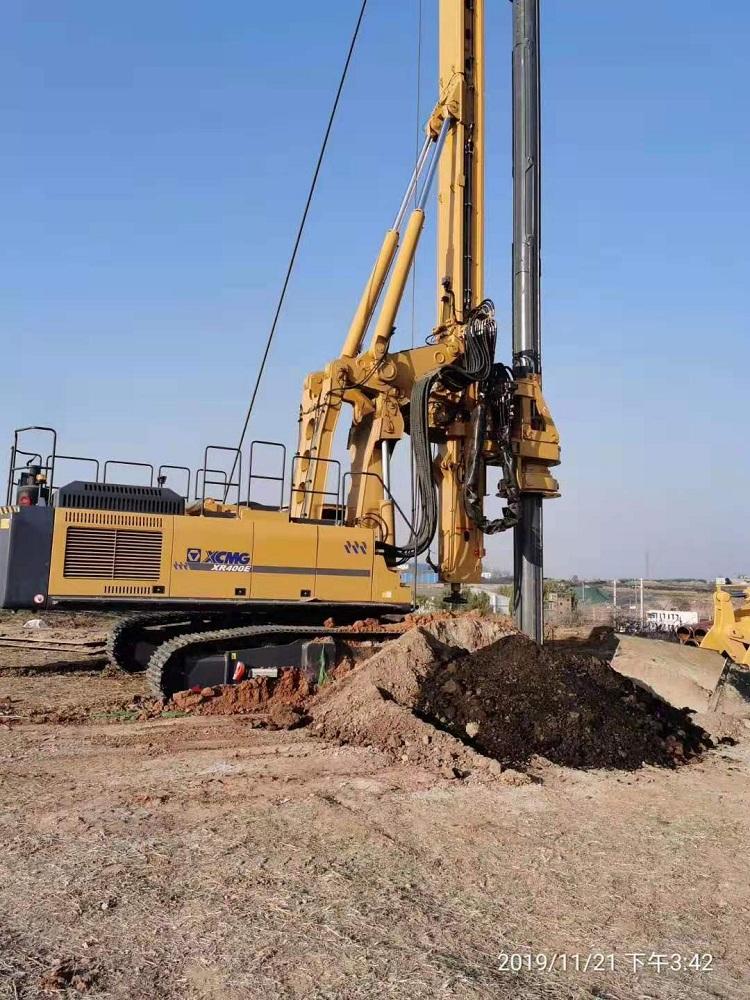 徐工XR400E旋挖钻机配套亿欧首页bob在山西晋城施工