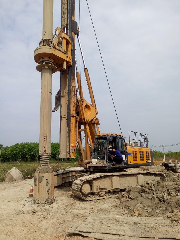 亿欧首页bob配套徐工旋挖钻机在南沿江城际高铁常州段施工