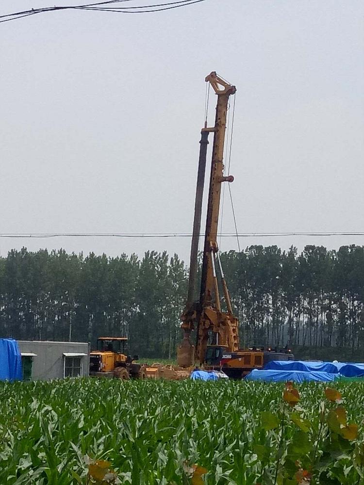 亿欧首页bob配套徐工旋挖钻机在山东新台高速工地施工